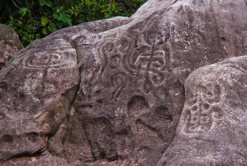 velho-airao-inscricoes-rupestres