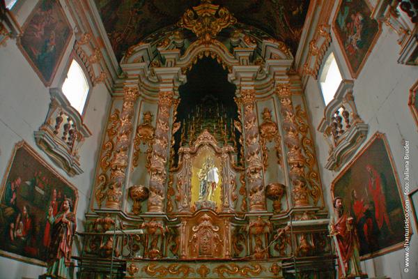 altar-da-igreja-do-carmo
