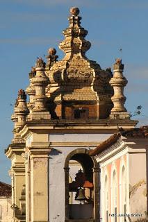 torres-das-igrejas-barrocas-do-pelourinho-em-salvador